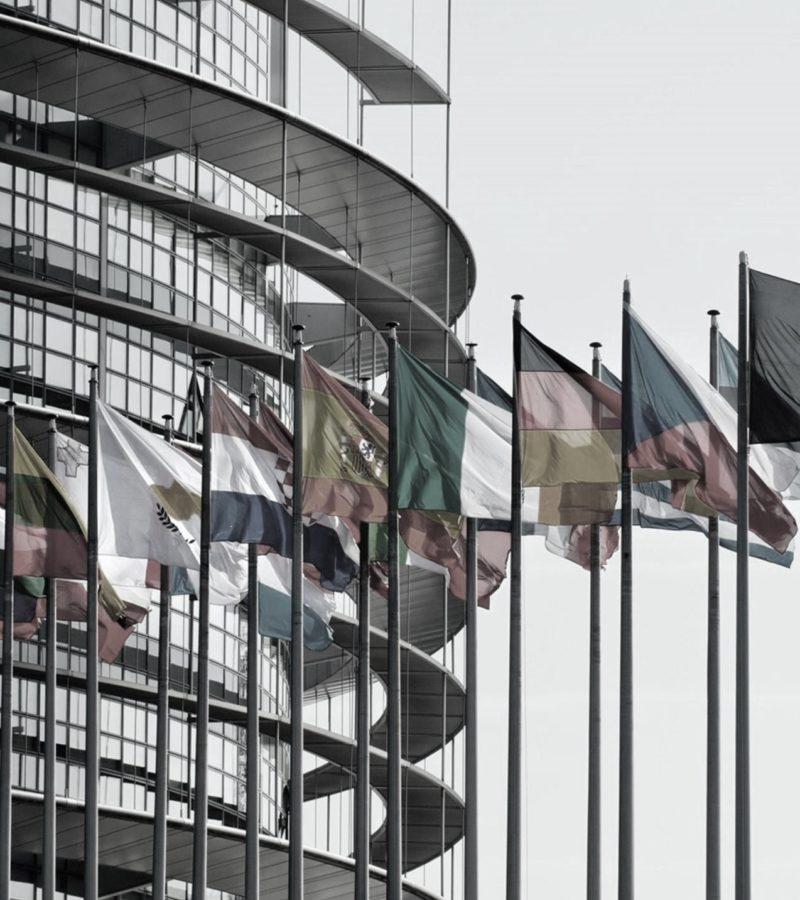 Gazzetta Ufficiale dell'Unione Europea: SARS-CoV-2 nell'elenco degli agenti biologici