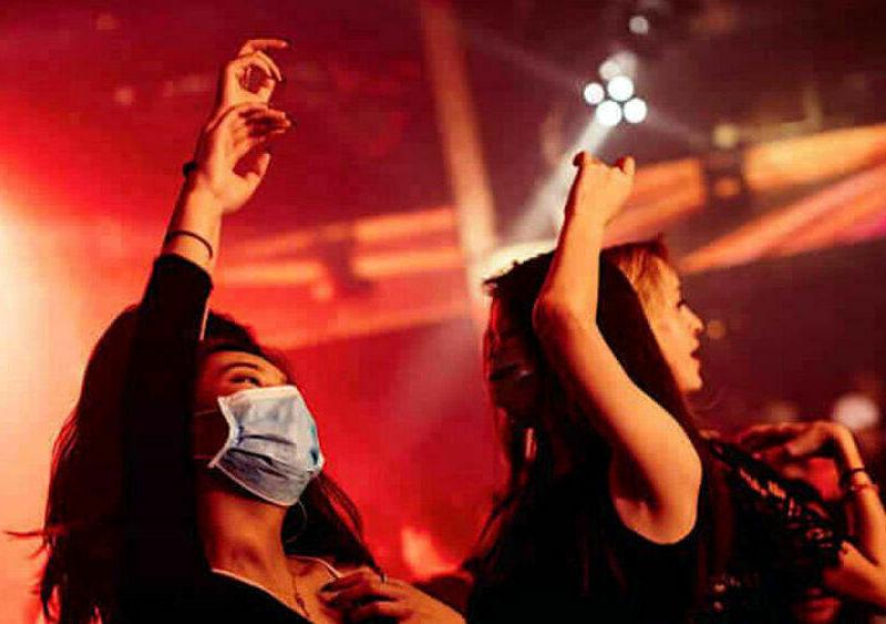 Nuova Ordinanza del MdS: Discoteche chiuse e obbligo di mascherina all'aperto