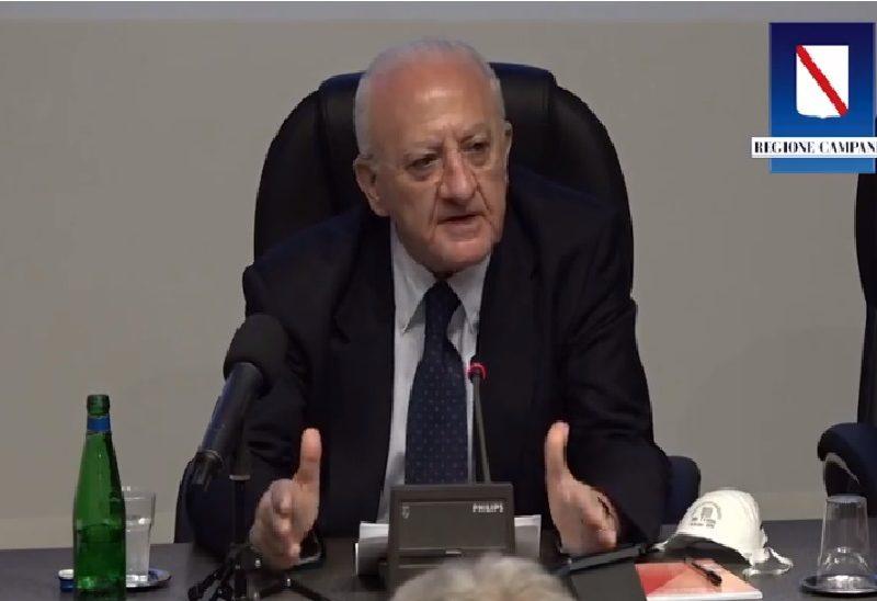 Covid Campania –  nuova ordinanza: chiuse le scuole, vietate feste e cerimonie