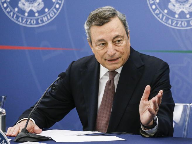 Draghi  firma dpcm Green Pass per i luoghi di lavoro.